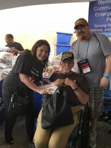 Blessed Angels Homeless Vets 17 the honorable Judge Susan Skinner volunteering
